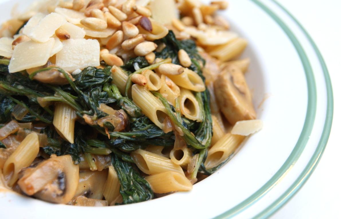 Pasta met spinazie-champignon roomsaus EEFSFOOD