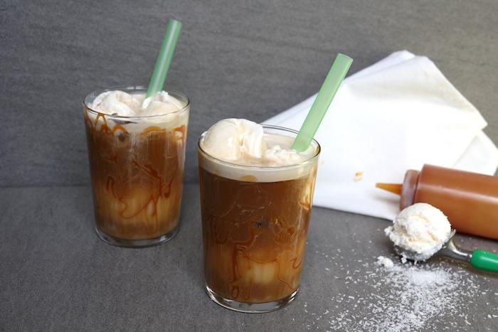 Kokos-karamel ijskoffie