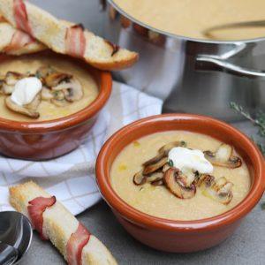Geroosterde bloemkoolsoep met champignons
