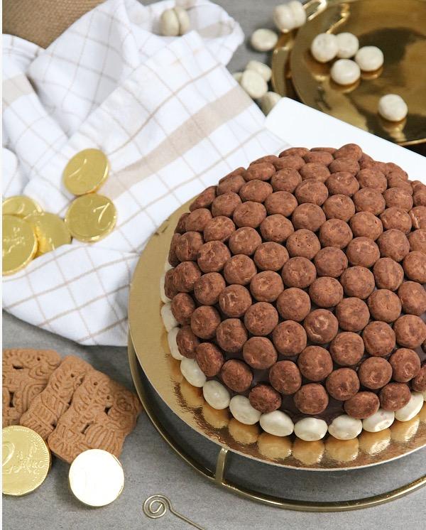 Brownie-speculaas bombe met truffel kruidnoten