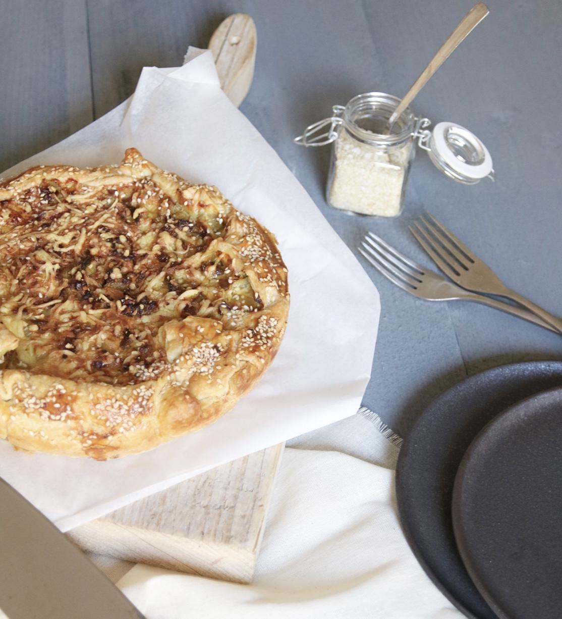 Hartige witloftaart met kaas en kerrie