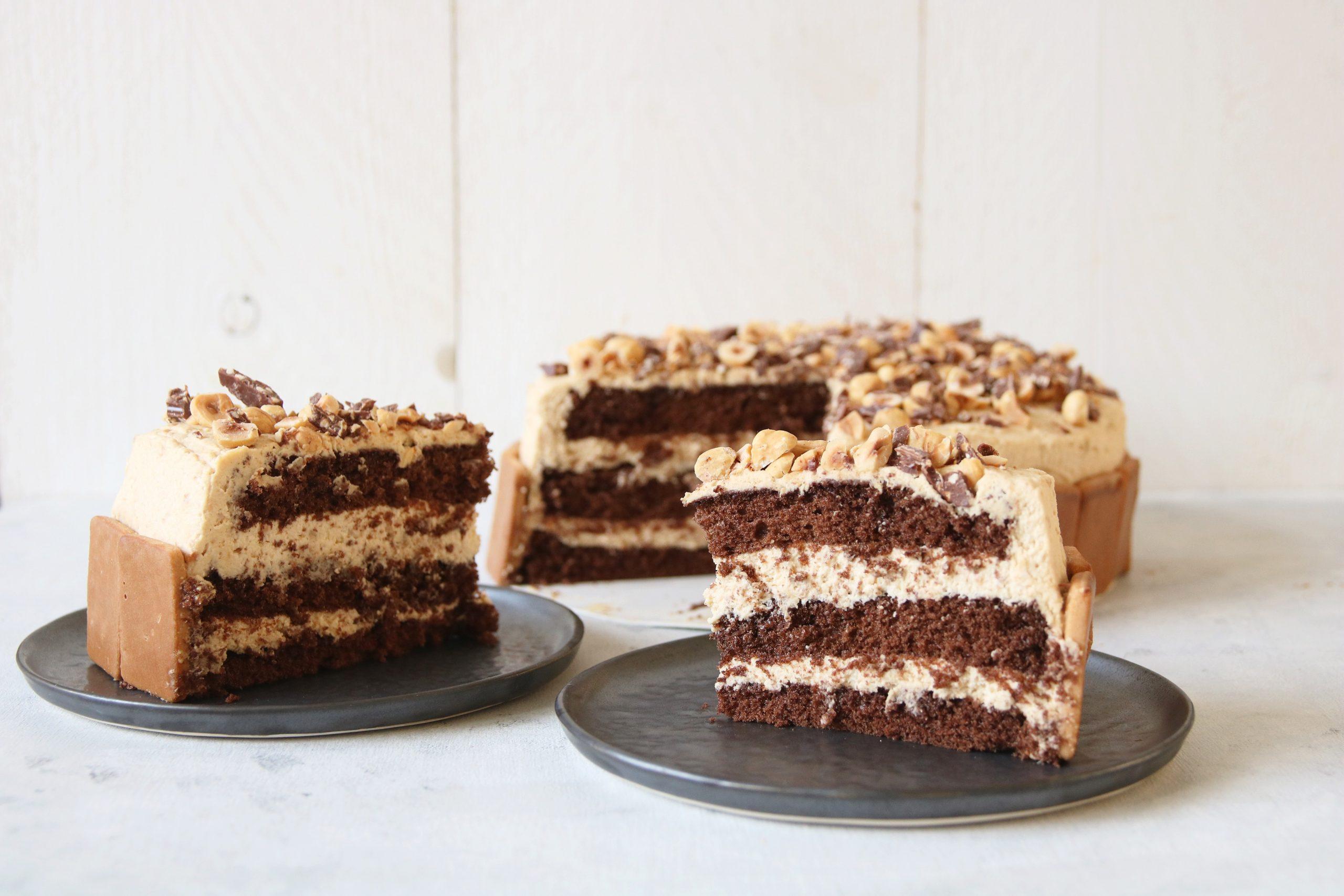 Chocoladetaart met speculoos slagroom en hazelnoten