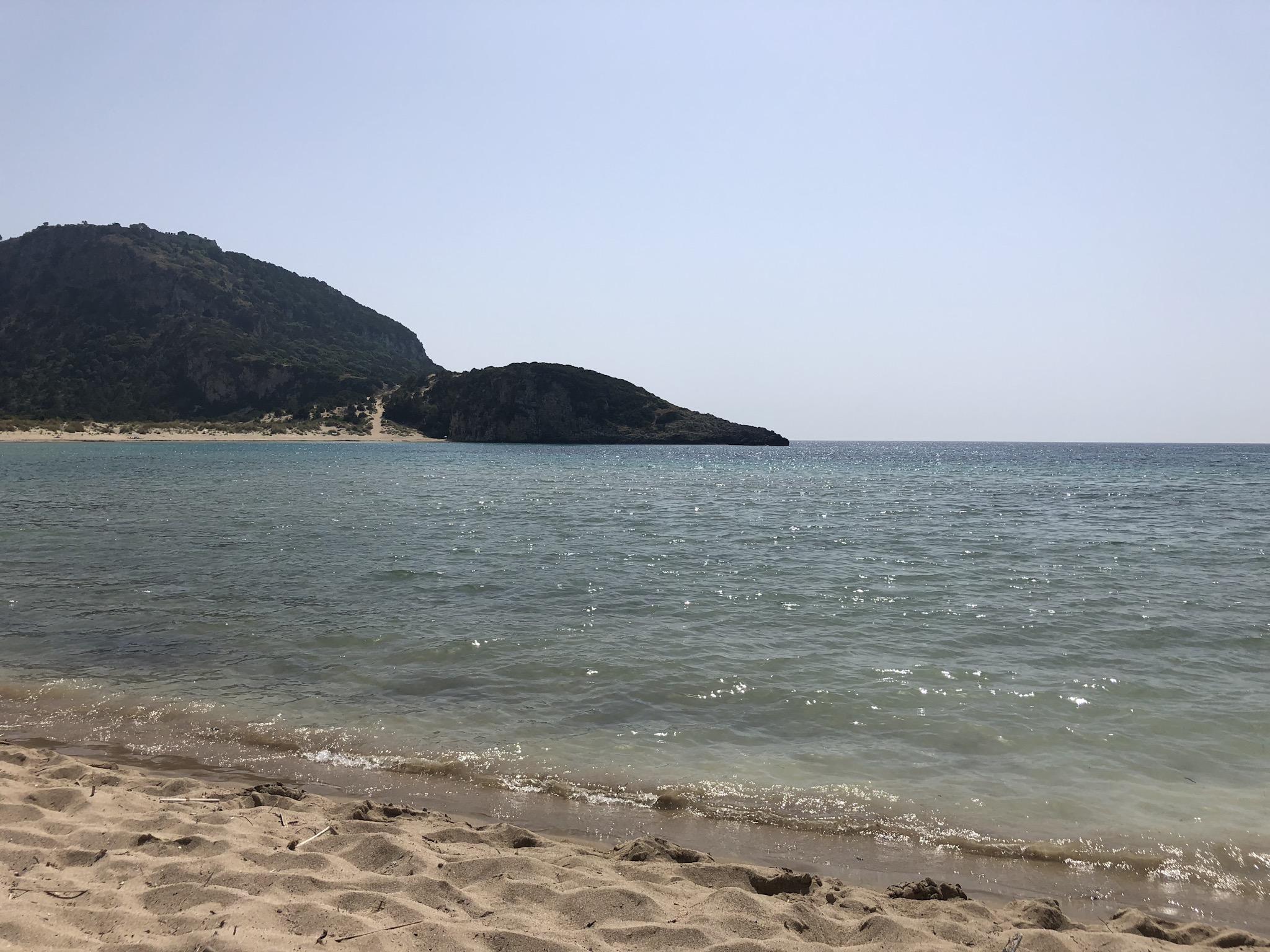 Zandstrand in de buurt van Pylos