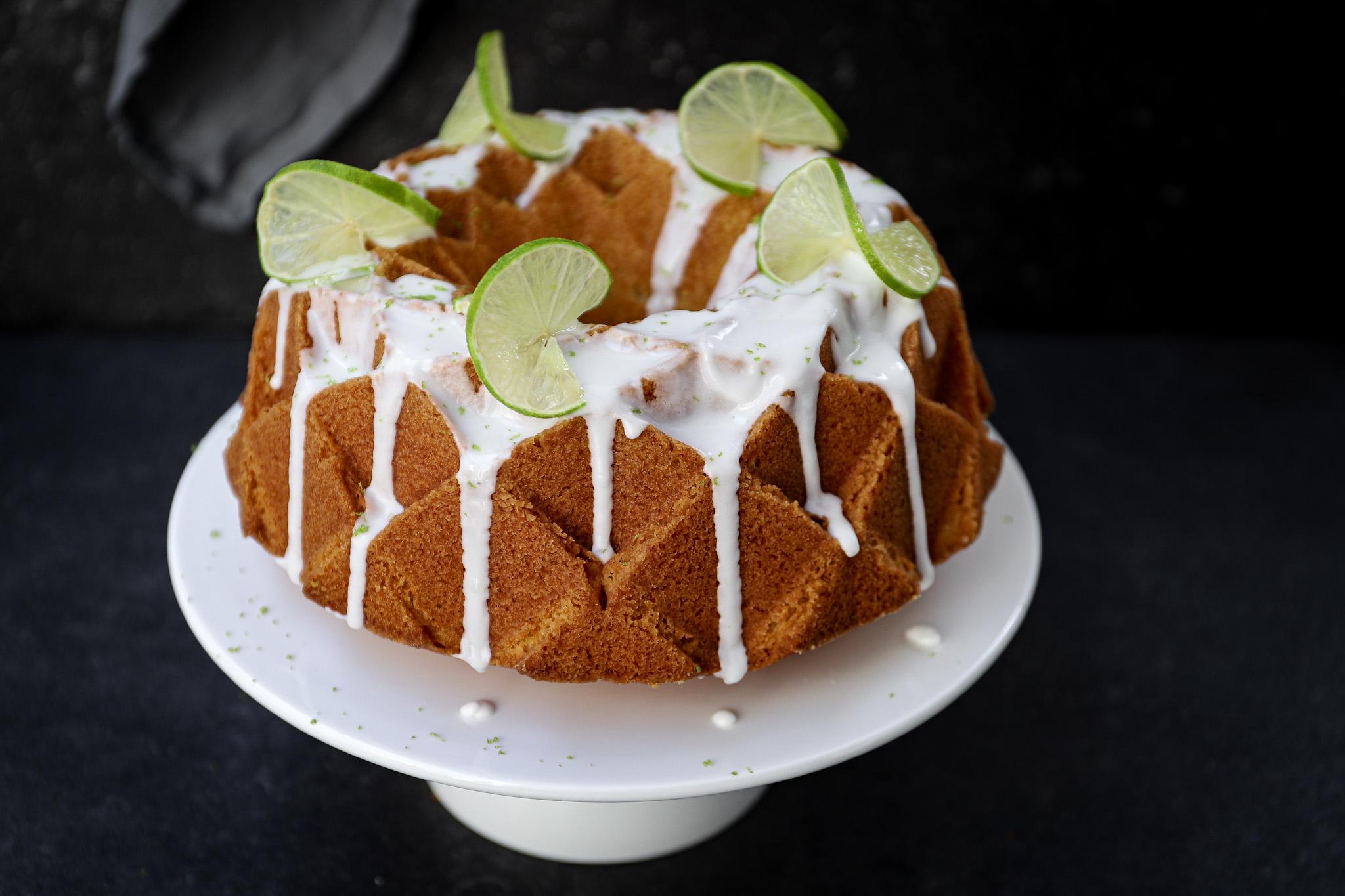 Ginger beer cake met limoenglazuur