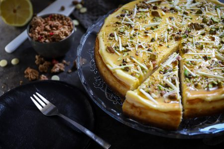 Witte chocolade cheesecake met citroen en pistache