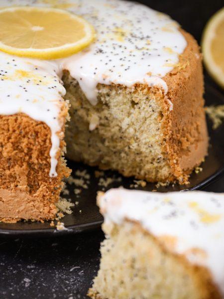 Luchtige citroen maanzaad cake met glazuur