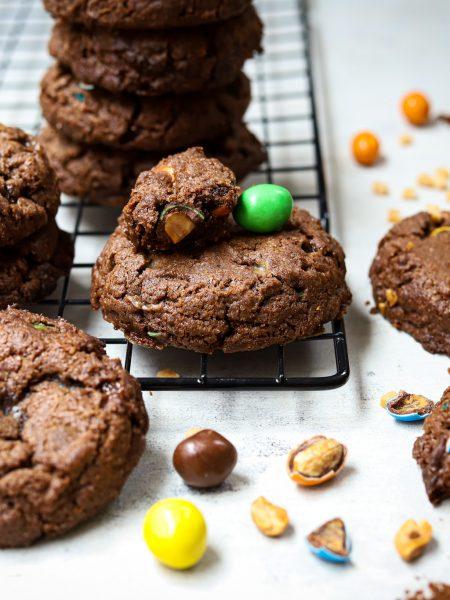 Chocolade koeken met karamel en pinda m&m's