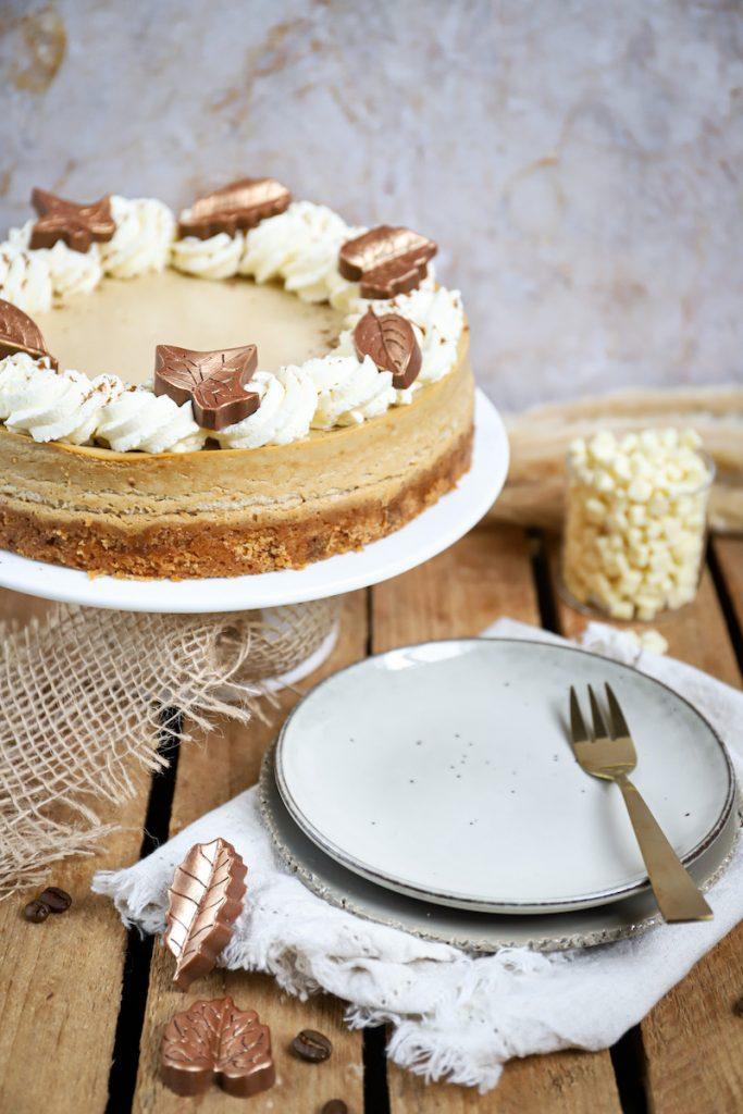 Koffie cheesecake met chocolate chip koekbodem